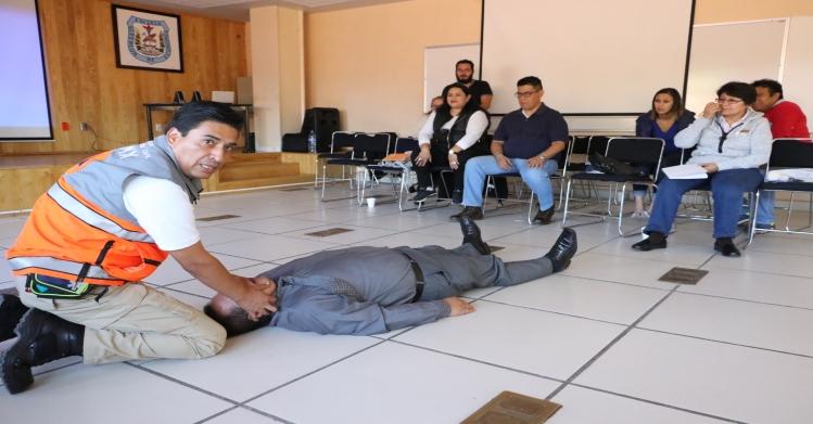 En materia de protección civil instruyen a personal del IPN