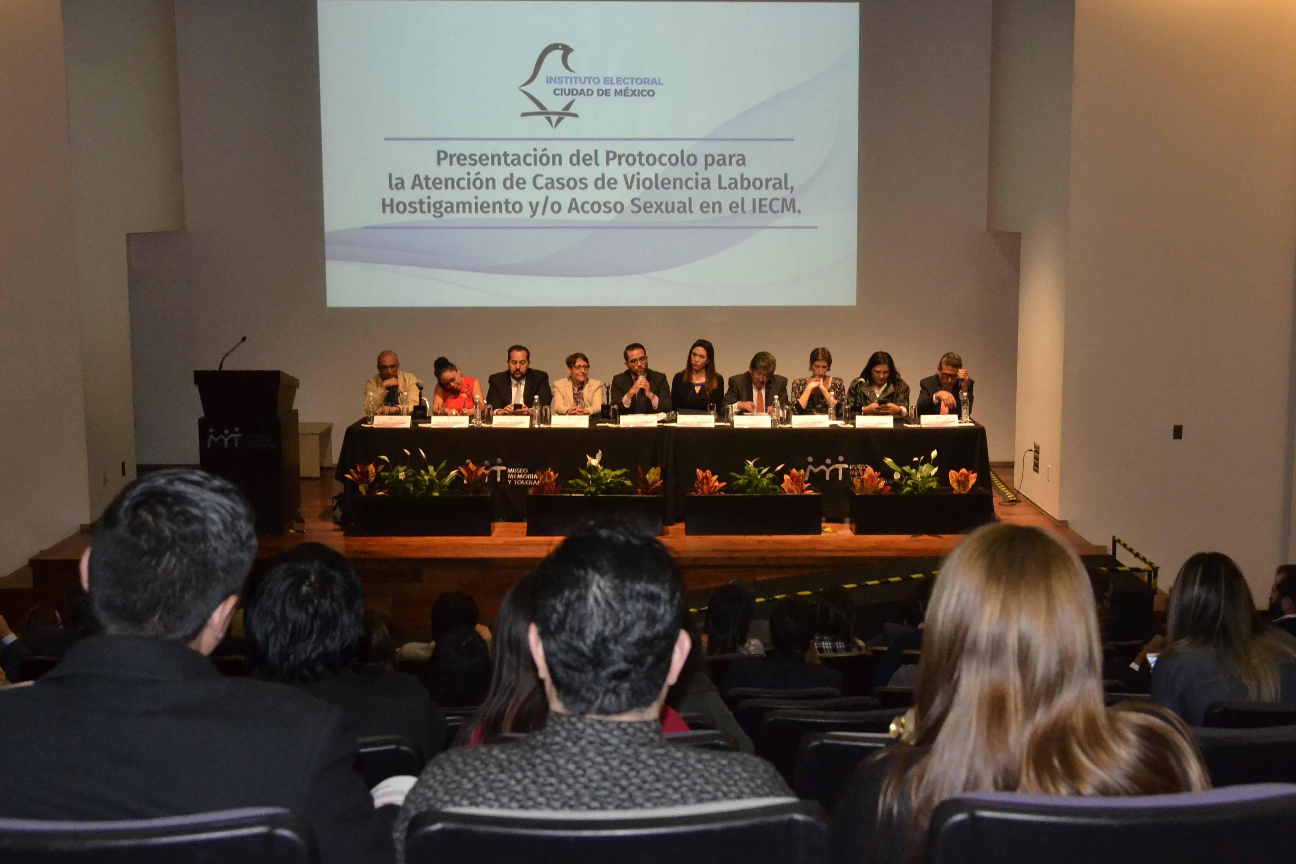 Presenta IECM protocolo para atender casos de violencia laboral, hostigamiento y/o acoso sexual