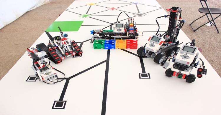 Construyen en IPN robots con piezas de plástico