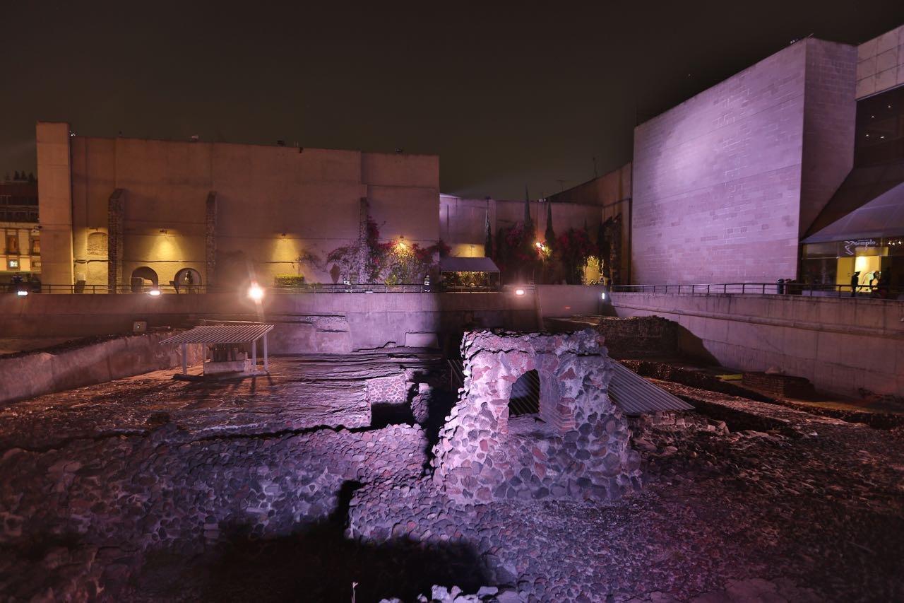 Estrena GCDMX iluminación de zona arqueológica del Templo Mayor y arquitectura aledaña