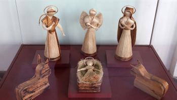 Misión Navidad llega al Palacio de Gobierno del Ecuador con la exposición de pesebres