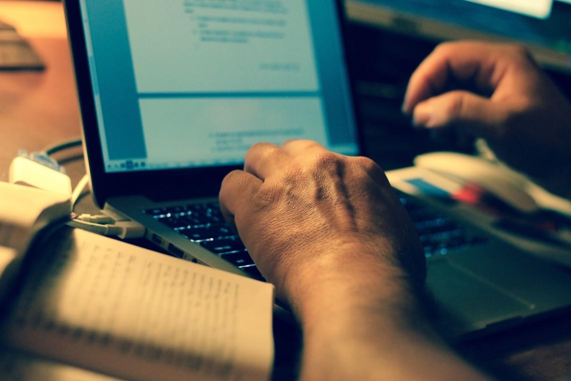 Alto nivel de confianza lleva a que 45 % de los uruguayos adultos realicen transacciones en línea