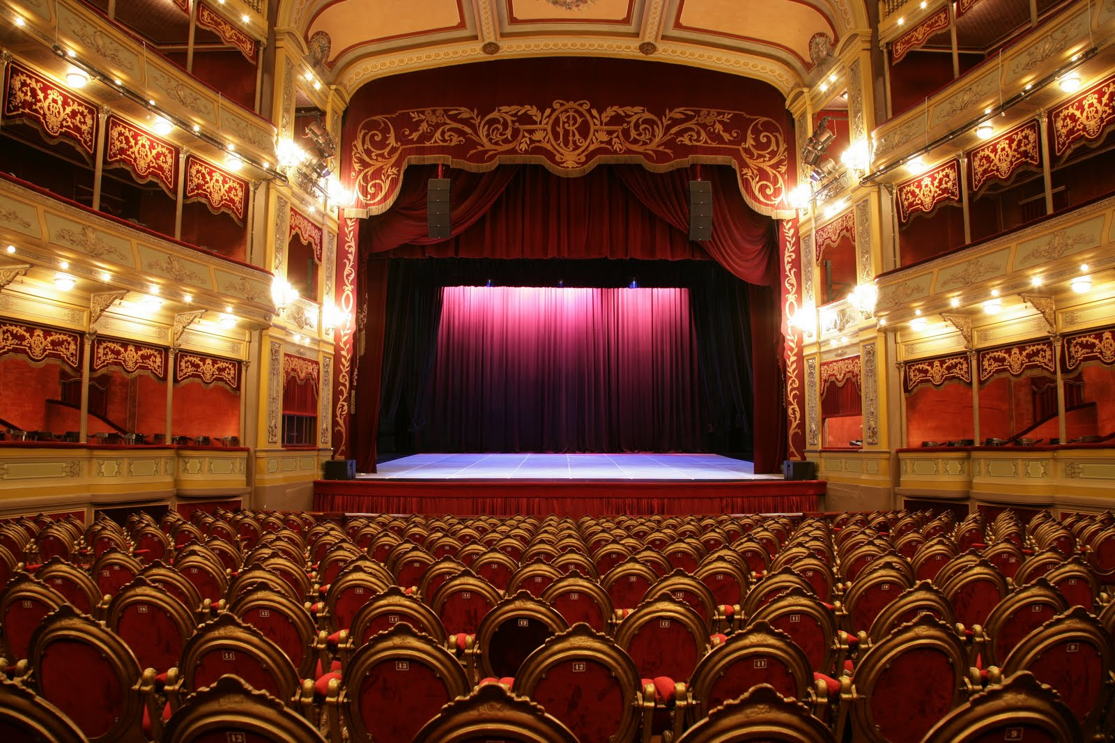 Argentina y México son las dos potencias principales de teatro en español actualmente: Alberto Lomnitz