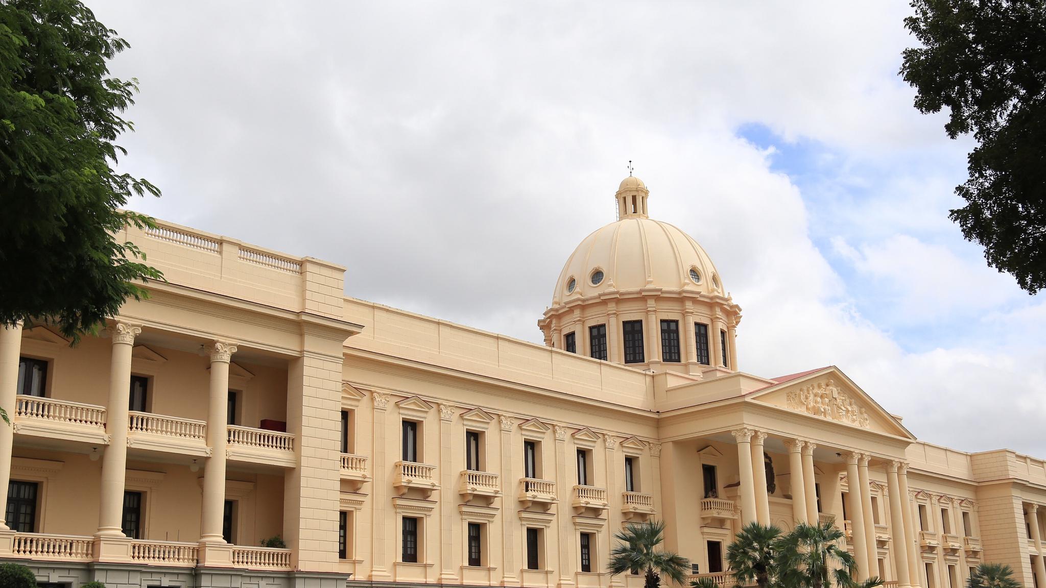 Presidente de la Repúbica Dominicana, Danilo Medina dicta Reglamento para aplicación Título IV ISC