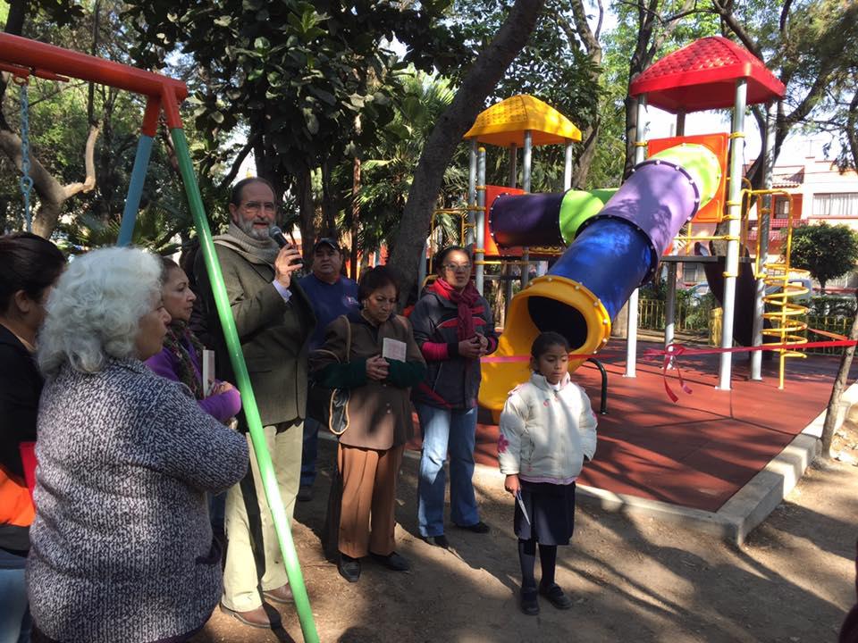 UNIDAD HABITACIONAL TLATILCO EN AZCAPOTZALCO YA TIENE JUEGOS INFANTILES NUEVOS