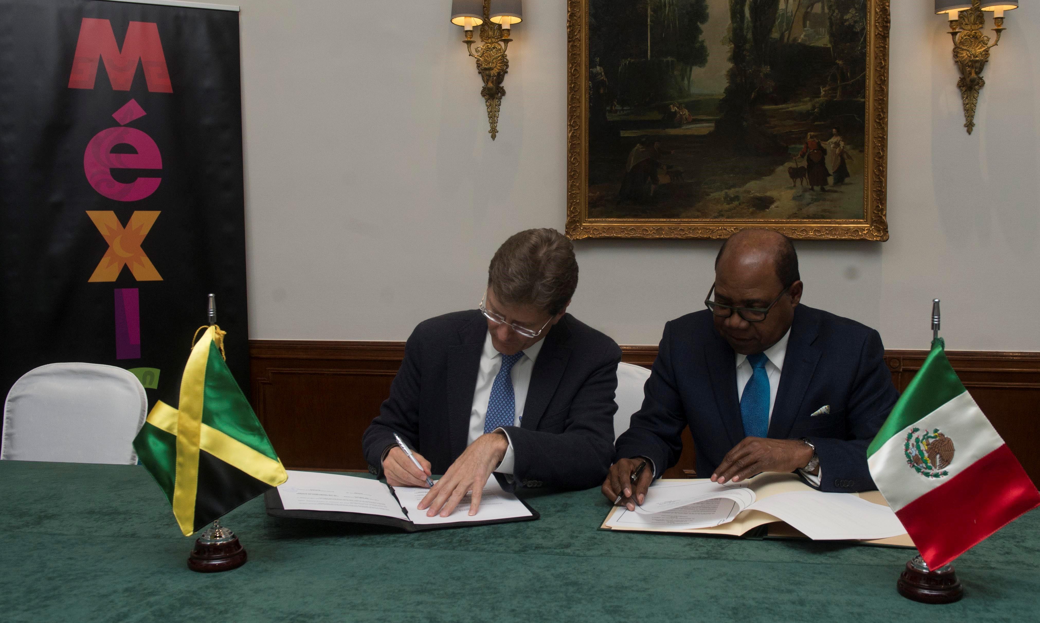 Firman México y Jamaica memorando de entendimiento en materia de cooperación turística