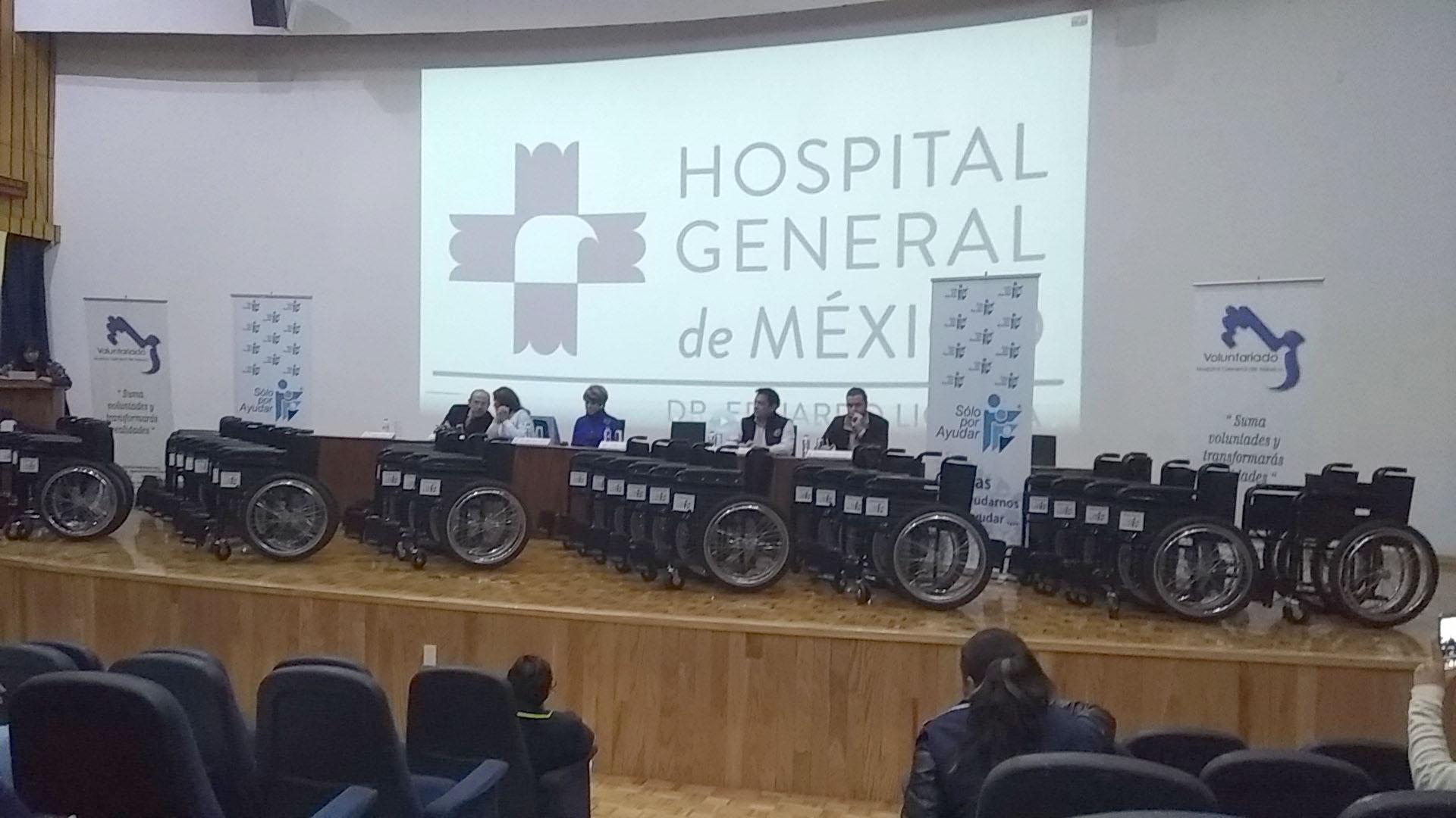 Donan sillas de ruedas e instrumental quirúrgico a instituciones del sector salud
