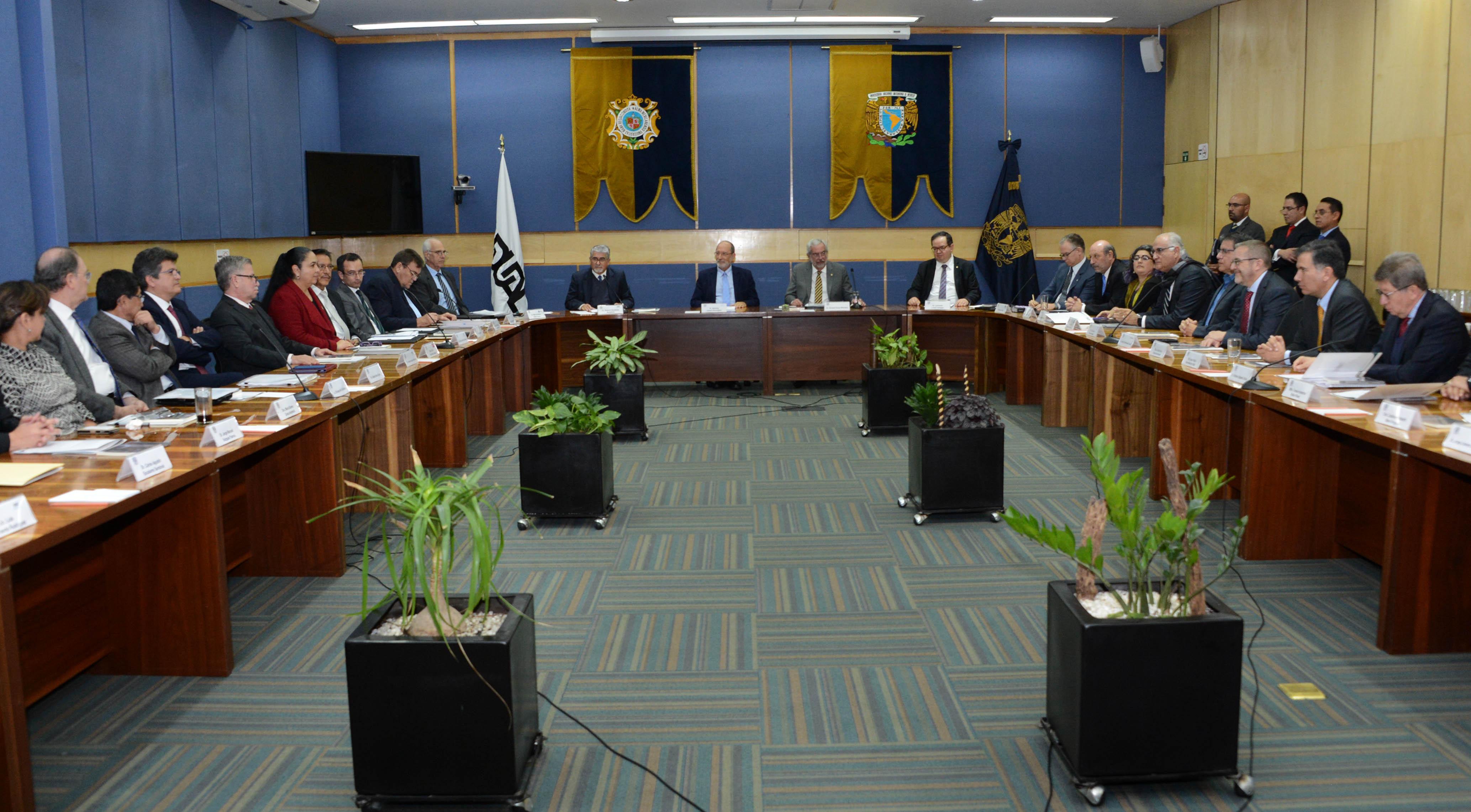 ACUERDAN UNAM Y OCHO UNIVERSIDADES DE AMÉRICA LATINA Y EL CARIBE RECONOCER TÍTULOS EN SIETE LICENCIATURAS