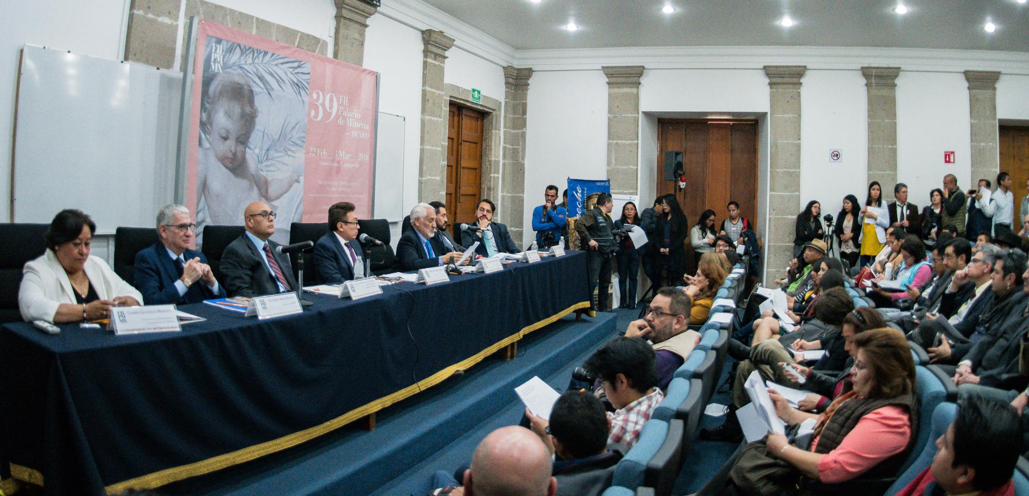 113 ACTIVIDADES DIARIAS EN LA FERIA INTERNACIONAL DEL LIBRO DEL PALACIO DE MINERÍA