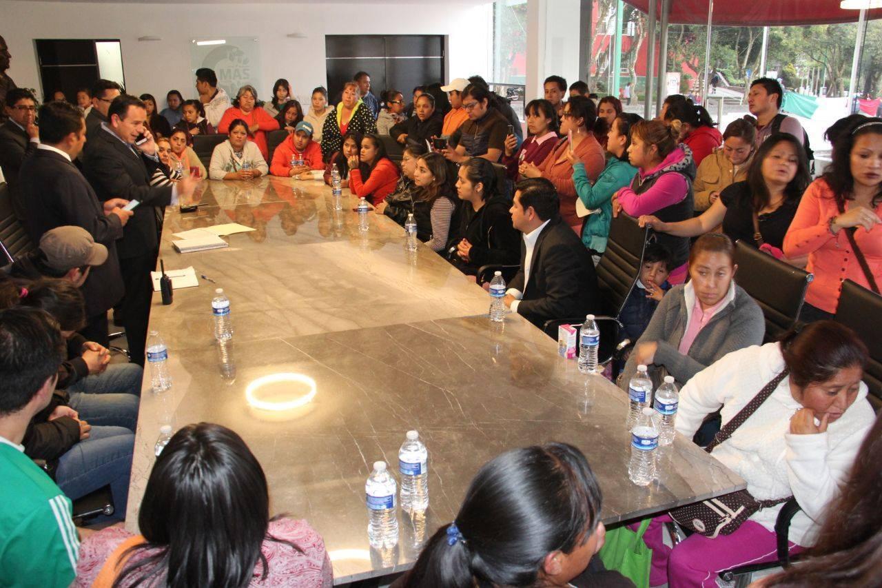 El Lic. Miguel Ángel Salazar se reunió con padres de familia del Jardín de Niños José María Pino Suárez