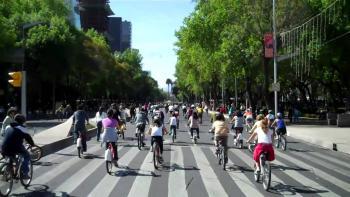 Rompe récord Paseo Dominical Muévete en bici: participa