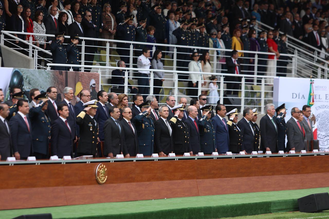 Conmemoran Día del Ejército