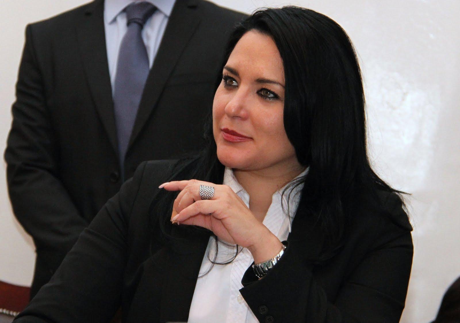 Es falso que se haya generado la orden de arresto en contra de la Directora del IEMS, Mtra. Dinorah Pizano