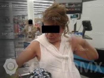SSP-CDMX DETIENE A UNA MUJER POR ROBO EN UNA TIENDA DEPARTAMENTAL EN MIGUEL HIDALGO