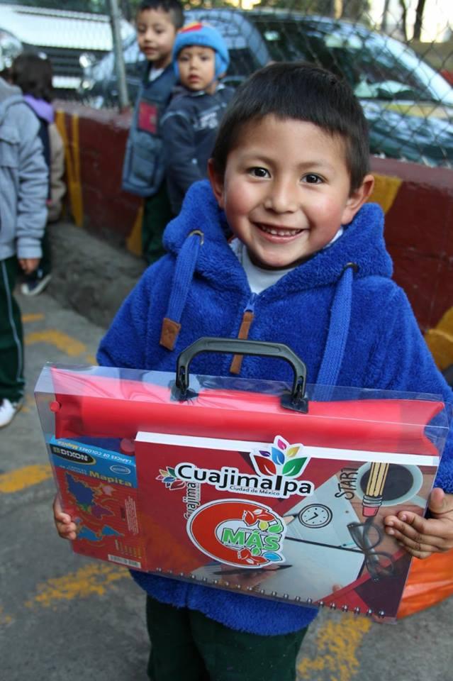 Entrega de 5 mil kits escolares a niños y niñas que cursan el preescolar