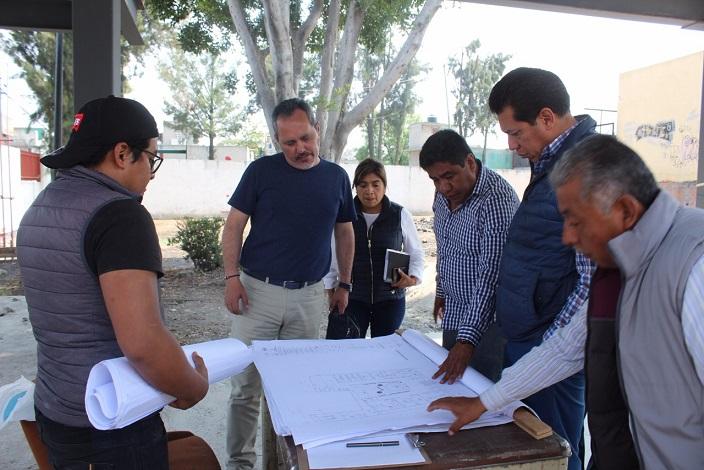 REHABILITACIÓN DEL DEPORTIVO SANTA CATARINA Y CONSTRUCCIÓN DEL CENTRO DE SALUD EN EL BARRIO DE LOS REYES