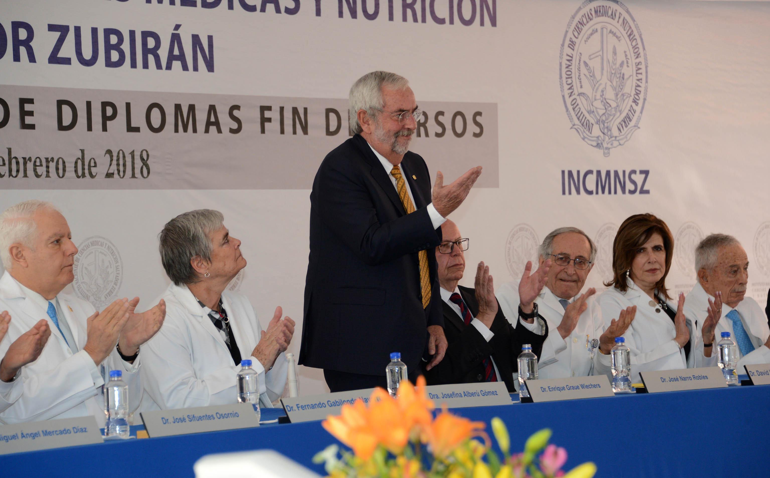 ENTREGA GRAUE DIPLOMAS A RESIDENTES DE LA UNAM EN EL INSTITUTO NACIONAL DE NUTRICIÓN