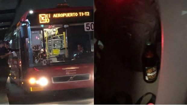 Fue cesado el chofer de Metrobus que conducía y bebía cerveza