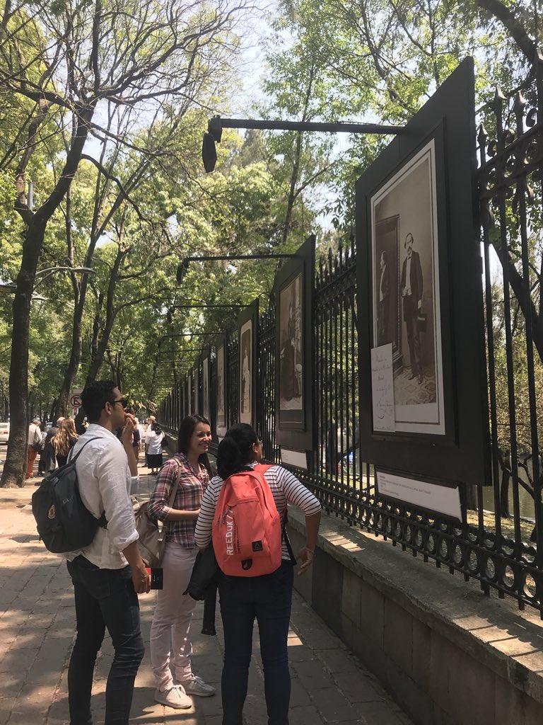 Inauguran la exposición Tarjetas de visita y retratos del siglo XIX en México