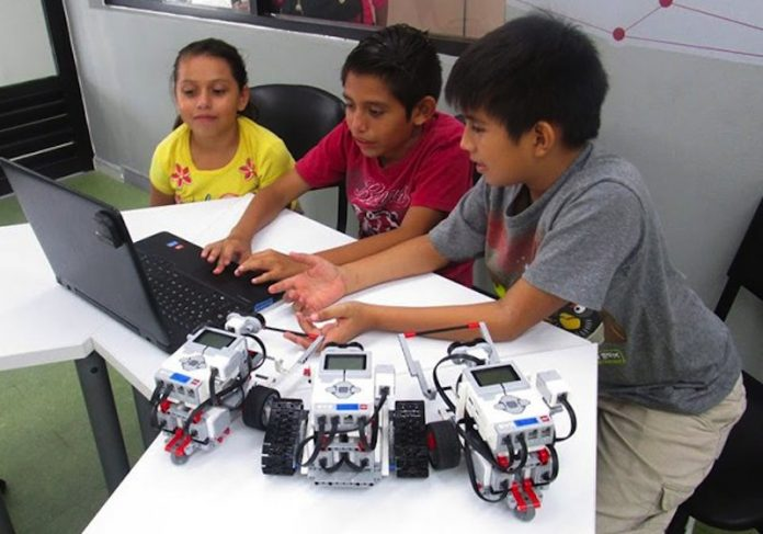 Inauguró el Subsecretario de Comunicaciones la Cuarta Feria Regional de Robótica