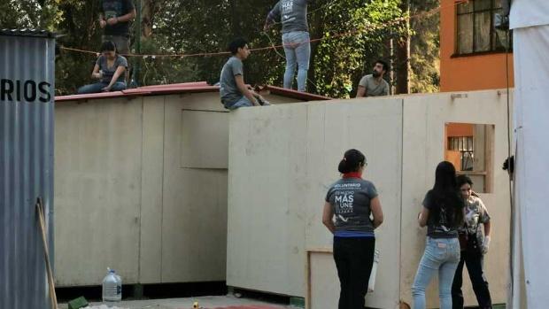 Se instalan 13 casas de madera térmica en el Multifamiliar de Tlalpan