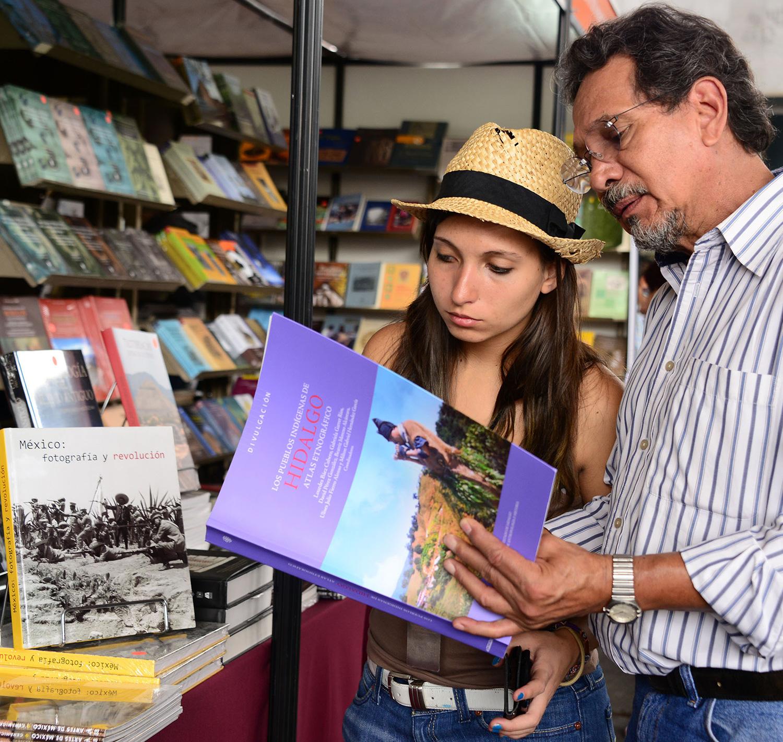 En la Zona Arqueológica de Tulum, segundo encuentro librero