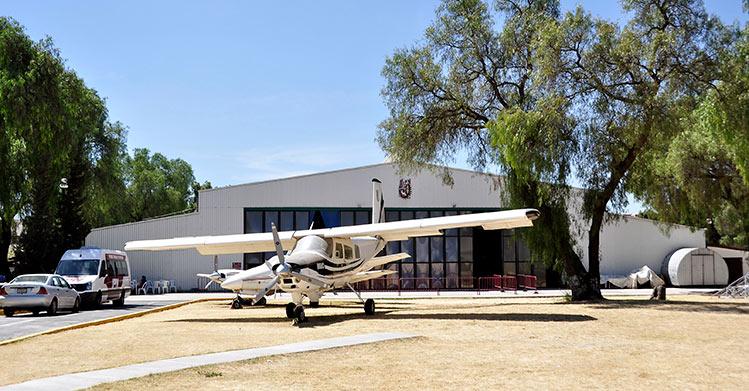 Reacredita CACEI carrera de ingeniería en aeronaútica de ESIME Ticomán