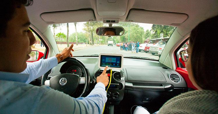 Politécnicos construyen dispositivo para evitar accidentes automovilísticos