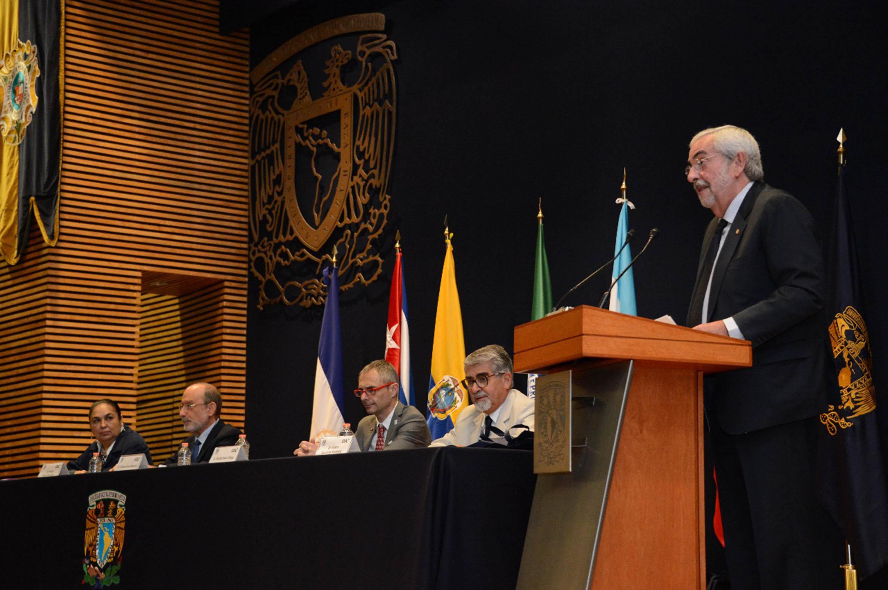 PRESERVAR LA AUTONOMÍA DE LAS UNIVERSIDADES, FUNDAMENTAL PARA EL DESARROLLO DE LAS NACIONES: GRAUE