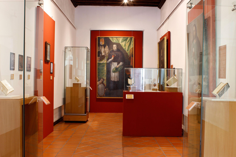 Pluma y pincel dialogan en exposición del Ex Convento de Santa Mónica, en Puebla