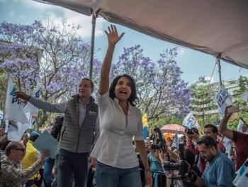 Barrales plantea reordenar el comercio informal en el CH