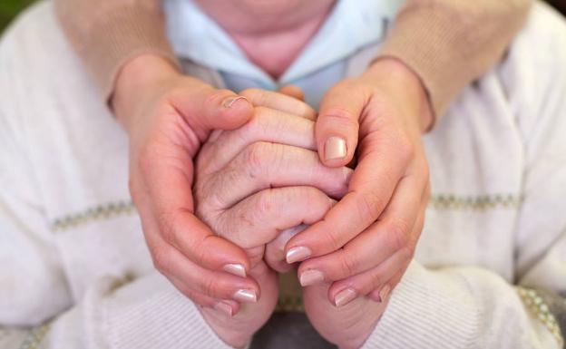 Tratamiento adecuado puede prolongar expectativa de vida de personas que padecen Parkinson