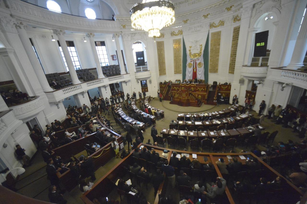Necesario y urgente combatir el uso de armas ilegales, ya que aumentan los delitos; presenta una iniciativa el Pleno de la ALDF