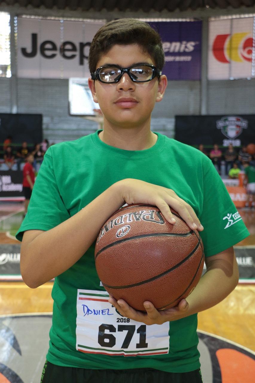 Quiero llegar a la NBA, Daniel Olaje