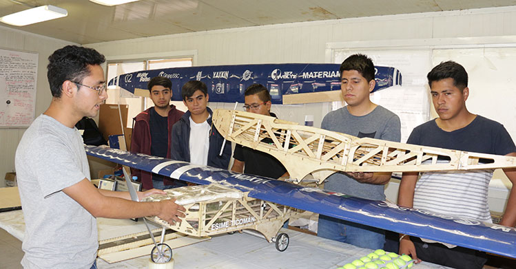 Destacan politécnicos en concurso de aeronaves no tripuladas
