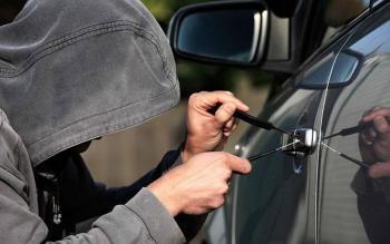 Vinculan a proceso a tres hombres acusados de robo de autopartes