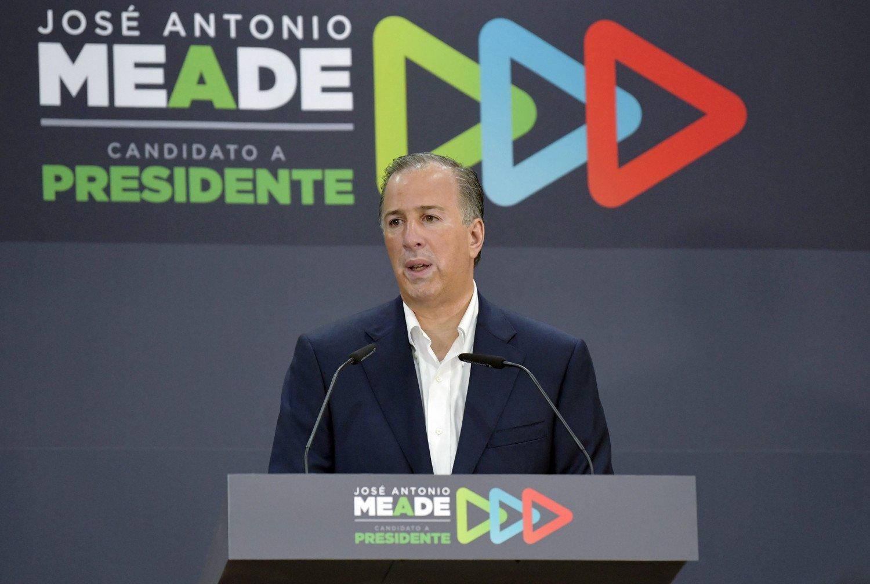 Invita Meade a Ríos Piter a sumarse a su campaña