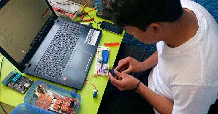 Crea IPN club de electrónica y automatización