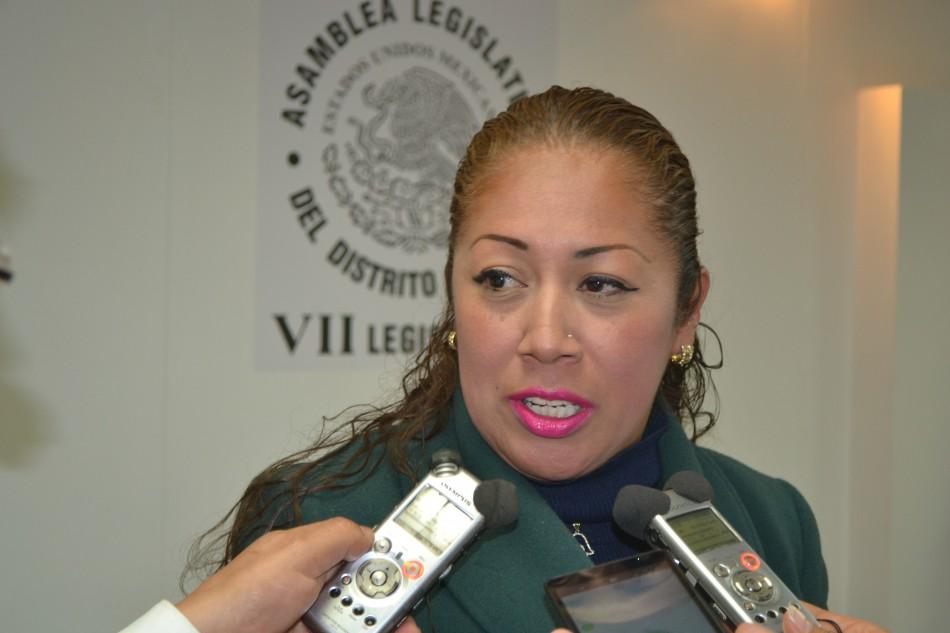 Pide Rebeca Peralta al Gobierno de la CDMX, impulsar campañas de concientización en escuelas, colonias y barrios para frenar feminicidios
