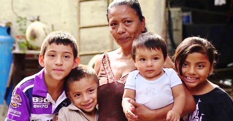 En el Día de las Madres te contamos sobre dos programas que impulsan el desarrollo de las mamás y sus familias