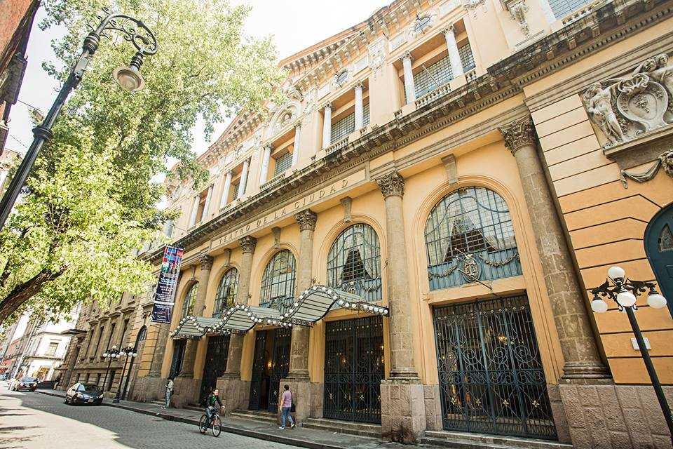 El Teatro de la Ciudad ofrecerá tres Galas Centenarias y se estrenará un tema dedicado a Esperanza Iris