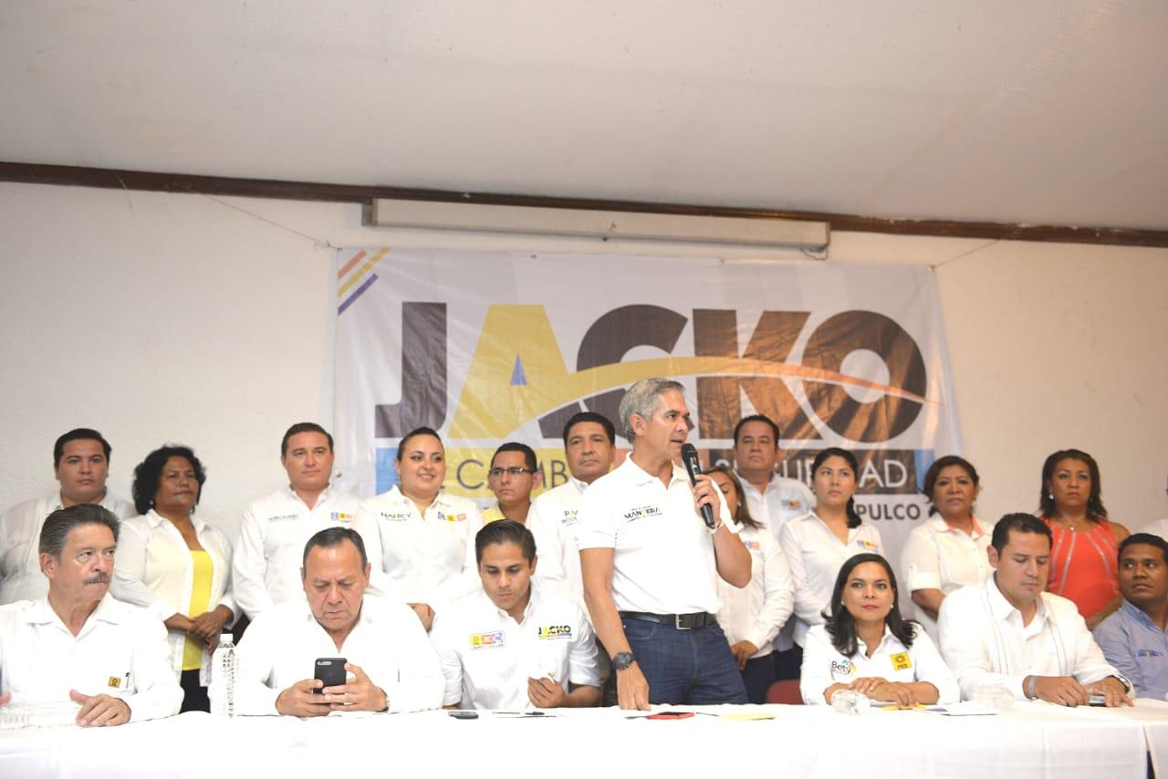El Coordinador Nacional del proyecto de Gobierno de  Coalición, Miguel Mancera, visita el puerto de Acapulco