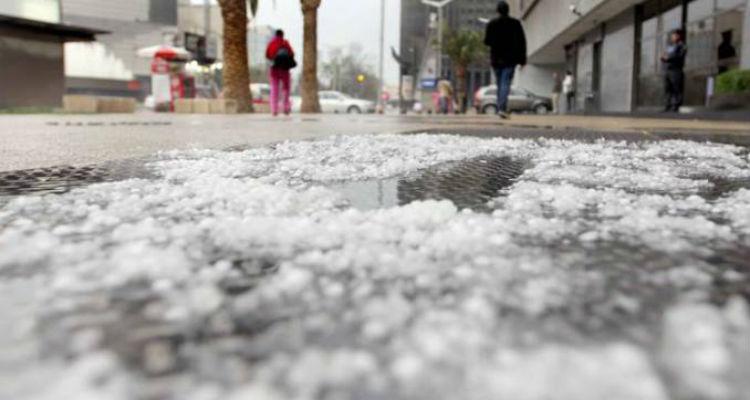 Alertan por lluvia y granizo en 8 delegaciones