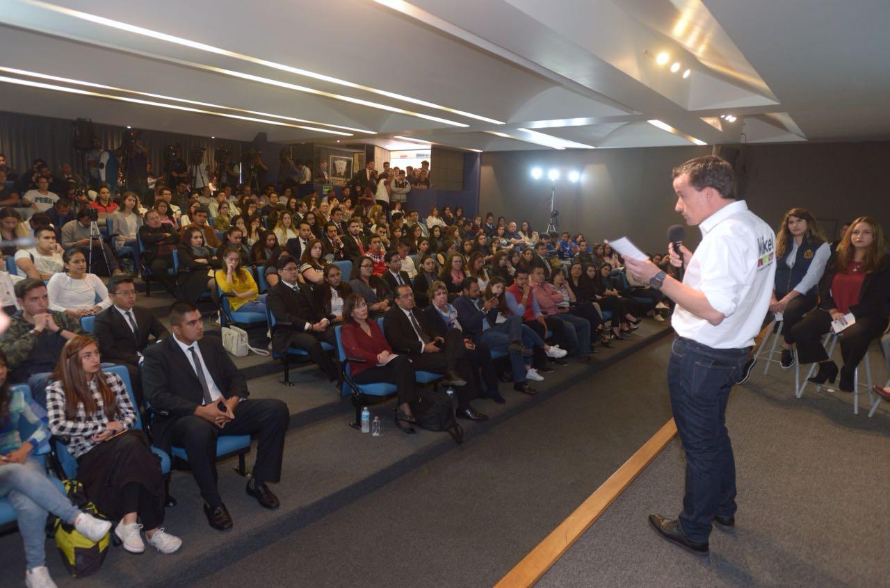 MIKEL SE COMPROMETE A CUMPLIR PROPUESTAS DE CAMPAÑA ANTE COMUNIDAD DE LA UNIVERSIDAD DEL PEDREGAL