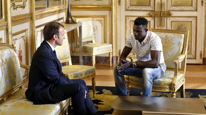 Macron concede nacionalidad a inmigrante que salvó a niño
