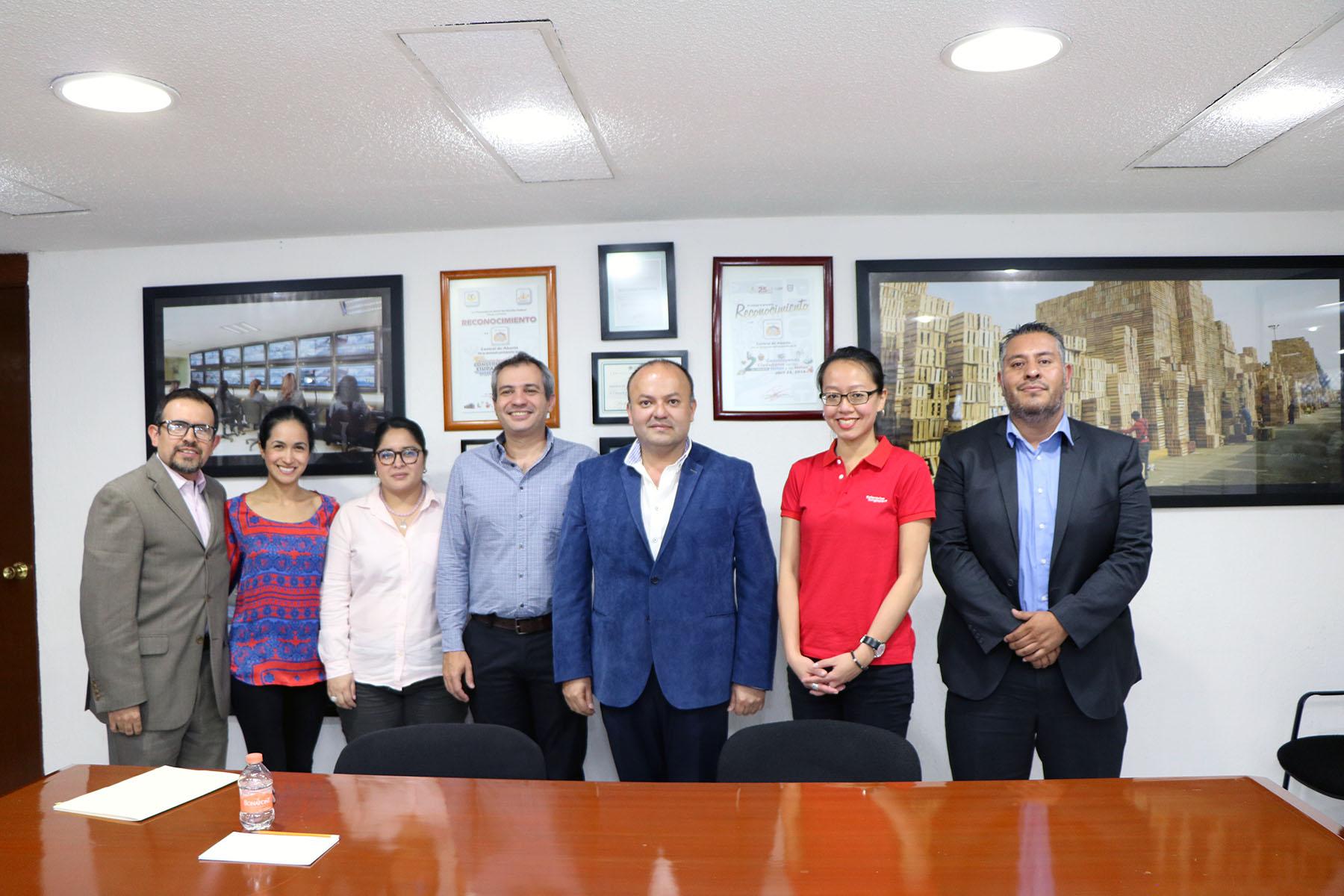 INTERESA A SINGAPUR IMPORTAR PRODUCTOS DE CEDA