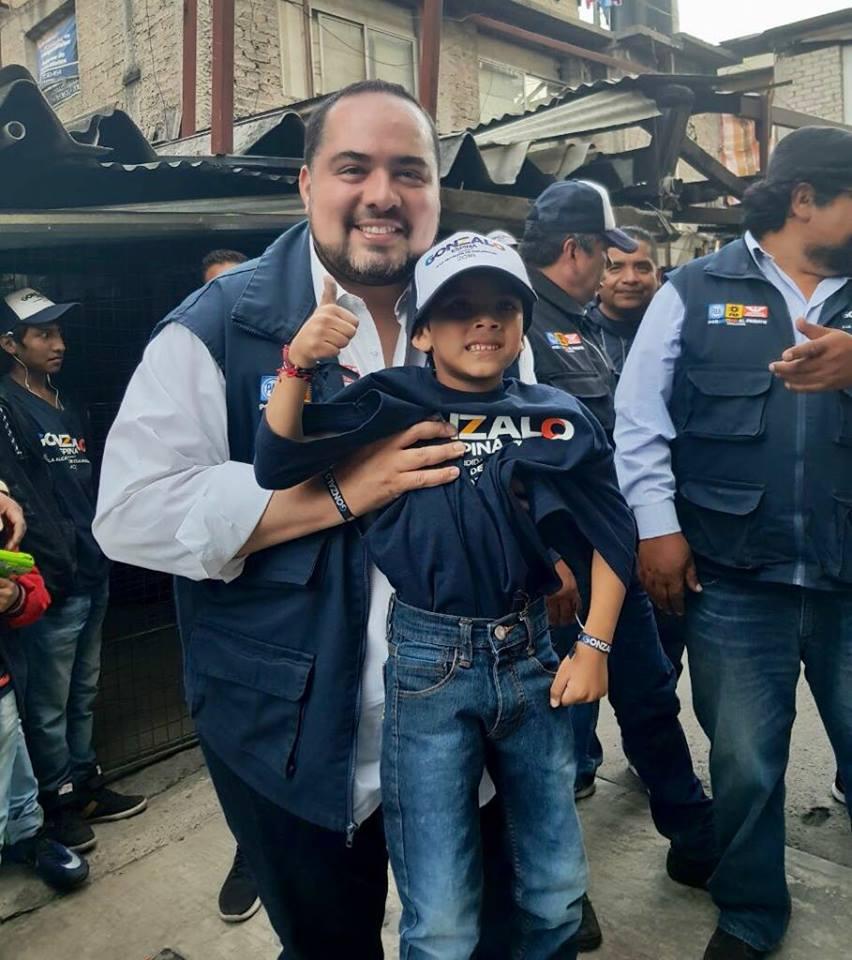 NIÑOS DE CUAJIMALPA IRÁN AL EXTRANJERO PARA ESTUDIAR CIENCIAS, PROMETE GONZALO ESPINA