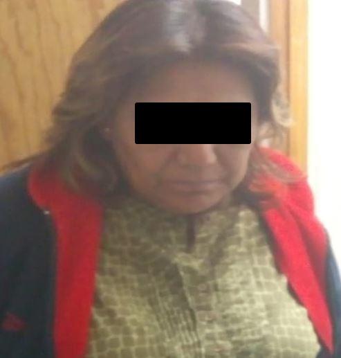 POLICÍAS DETIENEN A UNA MUJER ACUSADA DEL ROBO DE UNA MENOR EN IZTAPALAPA