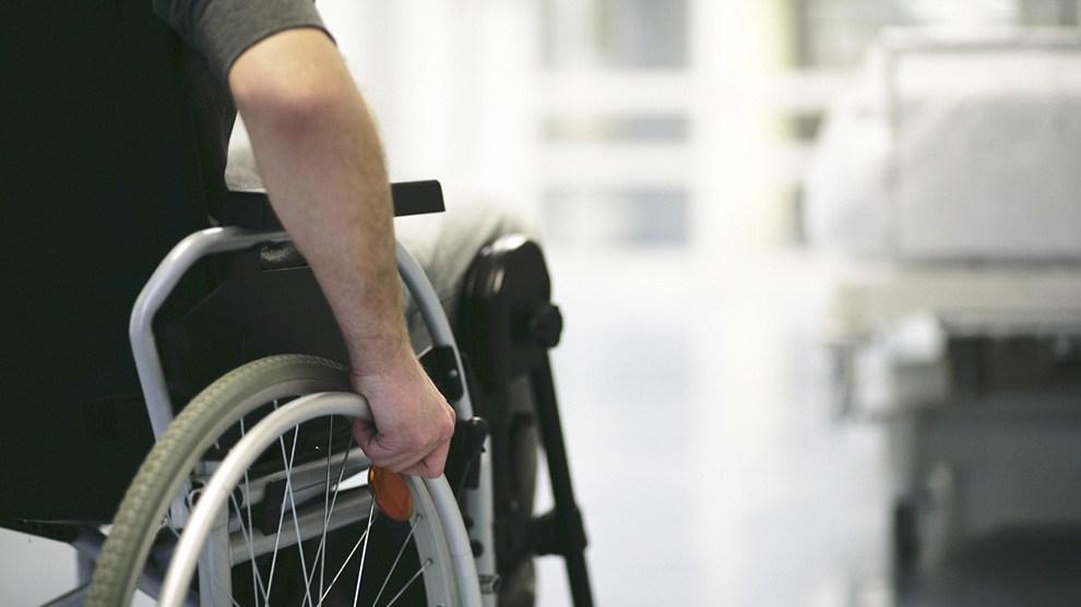 Presentan examen a la UNAM jóvenes con discapacidad