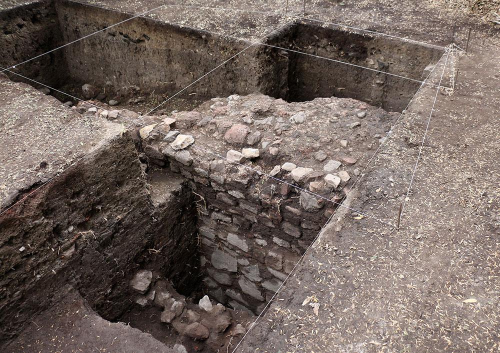 Arqueólogos de INAH localizan vestigios de acueductos coloniales y estanques del siglo XIX en Chapultepec
